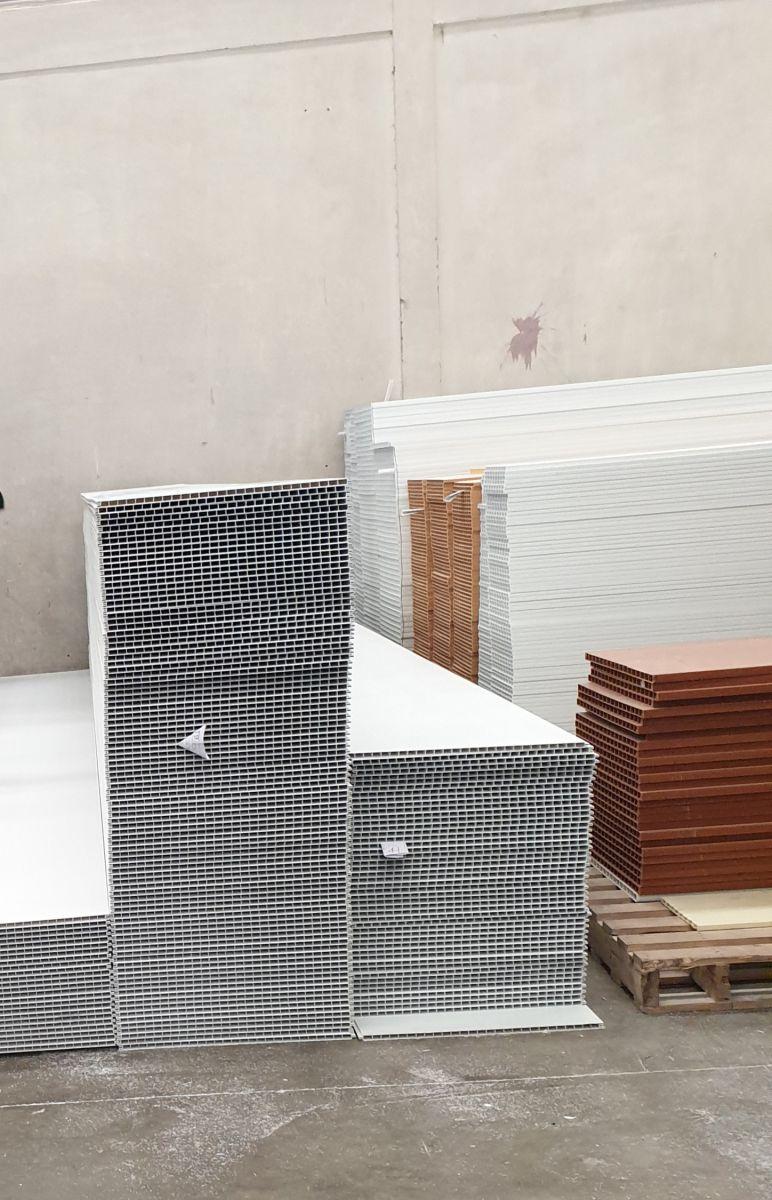 lắp đặt tấm nhựa công nghiệp