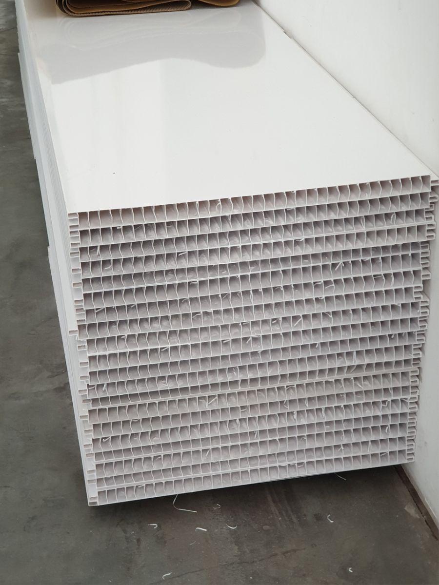 thi công trần nhựa nhà máy thủy sản Kiên Giang